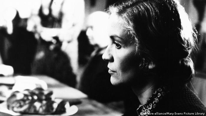 Heimat Filmstill from Edgar Reitz shows Marita Breuer at a table (picture-alliance/Mary Evans Picture Library)