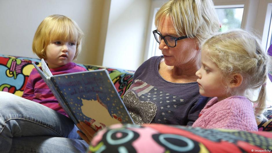 bilingual education beneficial for kinderkarten