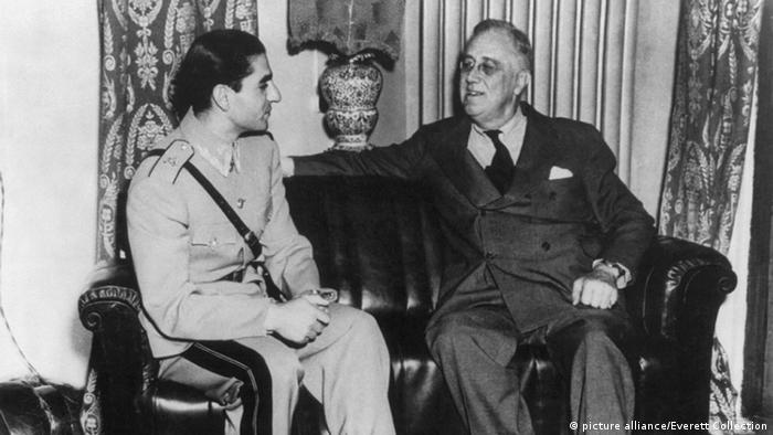 Shah Mohammad Reza Pahlavi with US President Roosevelt (picture alliance/Everett Collection)