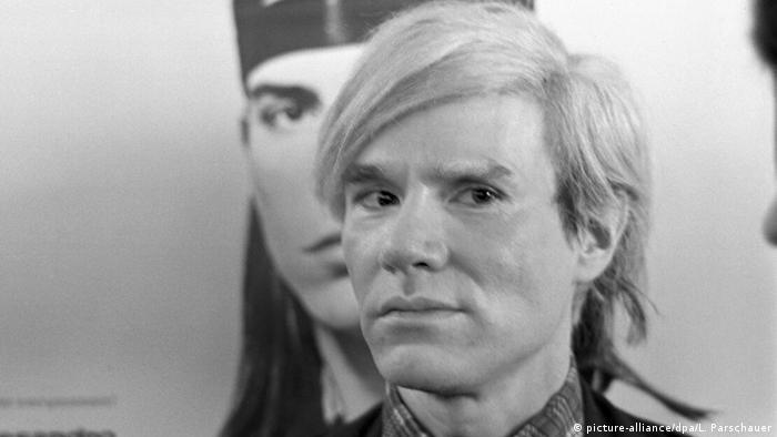 Artist Andy Warhol (picture-alliance/dpa/L. Parschauer)
