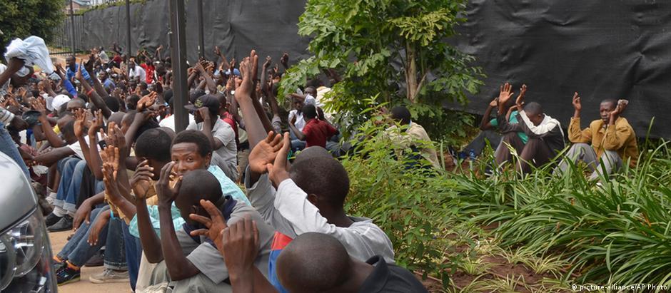 Protestos estudantis na cidade de Bujumbura