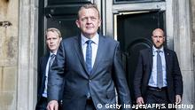 19.6.2015 Lars Loekke Rasmussen, leader of the right-wing Venstre party arrives at Amalienborg, Queen Margrethe's residence in Copenhagen after the general elections on June 19, 2015. The Queen has given him a mandate to form a goverment.. AFP PHOTO / SCANPIX DENMARK / SOEREN BIDSTRUP +++ DENMARK OUT +++ (Photo credit should read SOEREN BIDSTRUP/AFP/Getty Images)