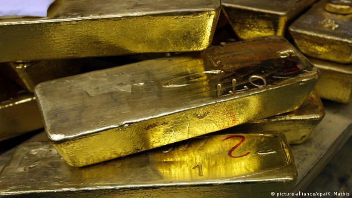 Archivbild Bauarbeiter finden in Passau wertvollen Goldschatz (picture-alliance/dpa/K. Mathis)