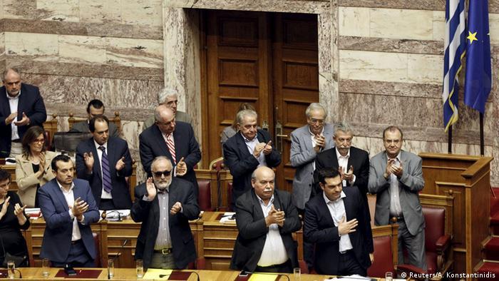 Griechenland Athen Parlament Debatte Referendum Tsipras