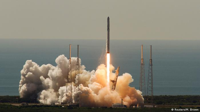 SpaceX Falcon Photo: REUTERS/Mike Brown