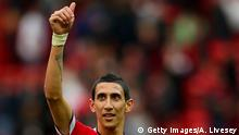 22.04.2015 **** Bildunterschrift:MANCHESTER, ENGLAND - APRIL 04: Angel di Maria of Manchester United gives a thumbs up to the crowd after the Barclays Premier League match between Manchester United and Aston Villa at Old Trafford on April 4, 2015 in Manchester, England. (Photo by Alex Livesey/Getty Images)