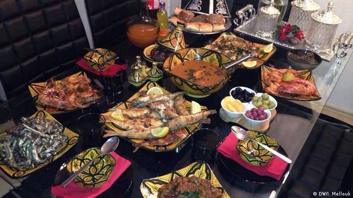Marroko Ramadan Mahlzeit (DW/I. Mellouk)