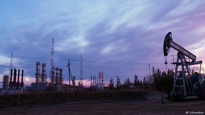 DW: Συνεχίζεται ο κατήφορος του πετρελαίου