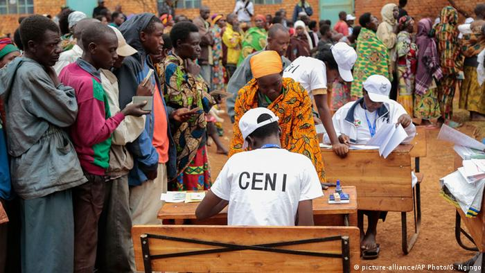 Parlamentswahlen in Burundi (picture-alliance/AP Photo/G. Ngingo)