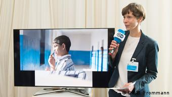 Who does DW Akademie reach with its projects? Verena Wendisch introduces 14 year old Ahmad, a participant in a DW Akademie media competency project in the Palestinian Territories (photo: Barbara Frommann).