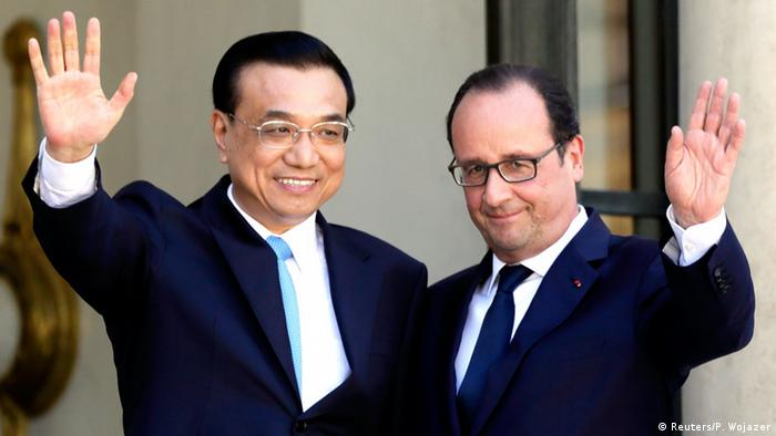 Chinese Prime Minister Li Keqiang (L) with French President Francois Hollande REUTERS/Philippe Wojazer