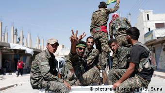 Syrien Krieg IS Tel Abyad (picture-alliance/dpa/S. Suna)