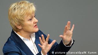 Berlin Bundestag Debatte Sterbehilfe Renate Künast (picture-alliance/dpa/W. Kumm)