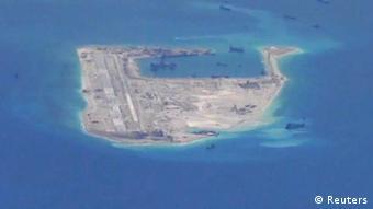 Satelitenaufnahmen Südchinesisches Meer Spratly-Inseln