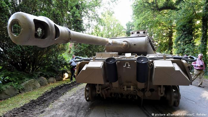 Bildgalerie Kriegswaffen in Heikendorf Kampfpanzer (picture alliance/AP Photo/C. Rehder)