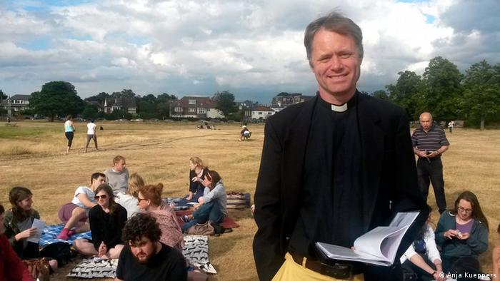 Reverend Rob Weekes
