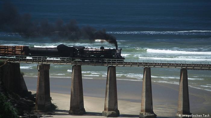 Foto de arquivo (1999): Comboio na África do Sul