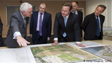 England - Inspektion Bauplan Atomkraftwerk Hinkley Point C mit David Cameron (Getty Images/J. Tallis)