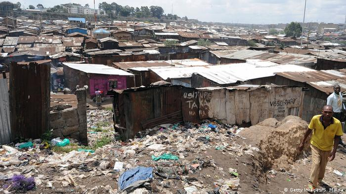 Symbolbild - Slum in Afrika (Getty Images/S. Maina)