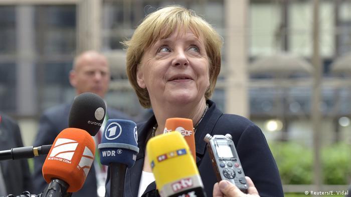 Zehn Jahre Merkel: Euro-Mutti will es schaffen