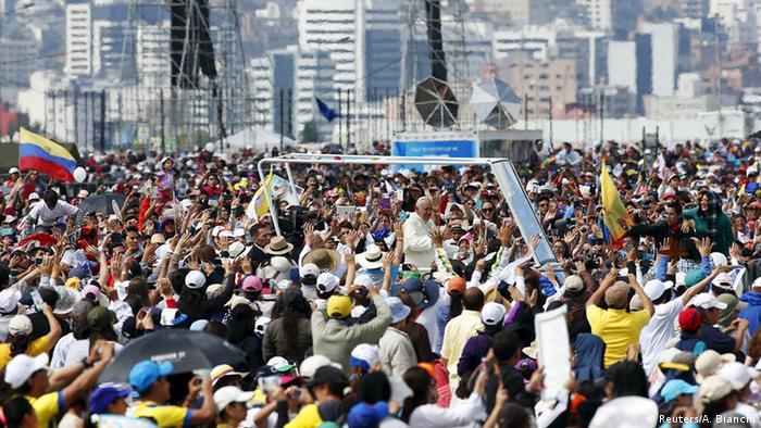 Ecuador, Papst Franziskus hält Messe im Bicentenario Park in Quito