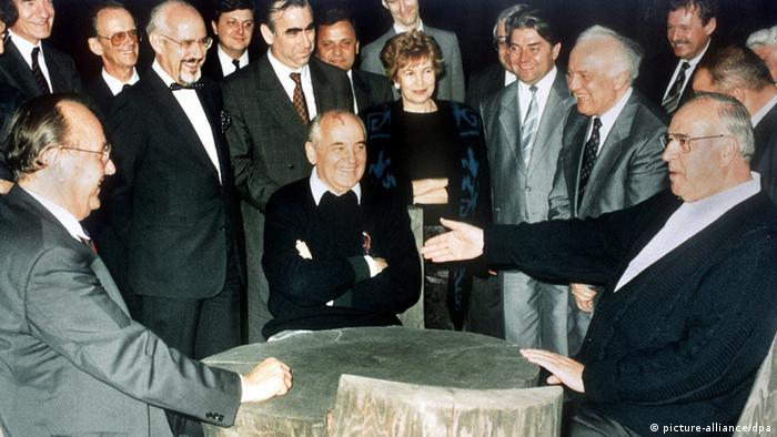 Kohl and Gorbachev in the northern Caucasus in 1990