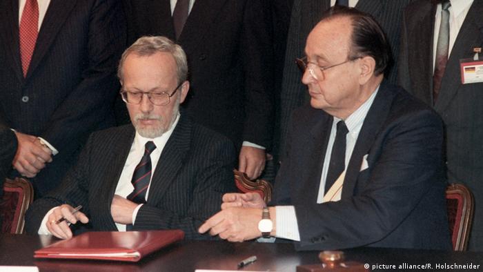 Deutschland erhält volle Souveränität zurück 2 plus 4 Vertrag