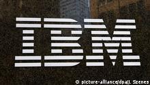FILE - A file photo dated 19 November 2013 showing an IBM sign in New York, USA. EPA/JASON SZENES (zu dpa IBM-Allianz verkündet Durchbruch für leistungsstärkere Chips vom 09.07.2015) +++(c) dpa - Bildfunk+++