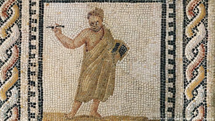 Человек со стилосом и восковой дощечкой на римской фреске