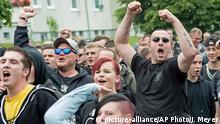 Rechte Proteste gegen das Flüchtlingslager in Freital