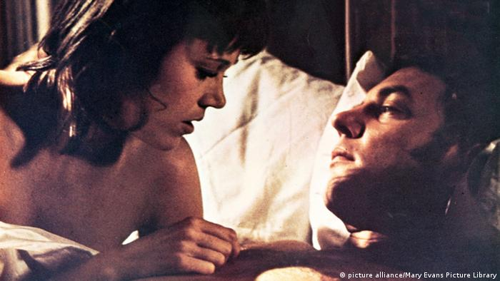 Bildergalerie Donald Sutherland mit Jane Fonda in Klute (picture alliance/Mary Evans Picture Library)