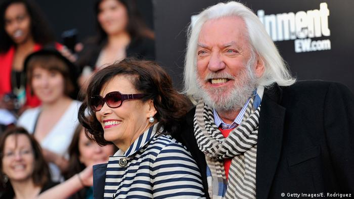 Donald Sutherland mit Francine Racette bei Filmpremiere 2012 (Getty Images/E. Rodriguez)