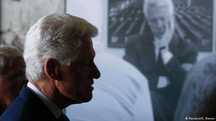 Fostul presedinte american Bill Clinton in 2015, la evenimentul de comemorare a 20 de ani de la masacrul de la Potocari, Srebenica