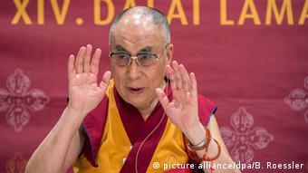 Hessen Dalai Lama Pressekonferenz in Wiesbaden