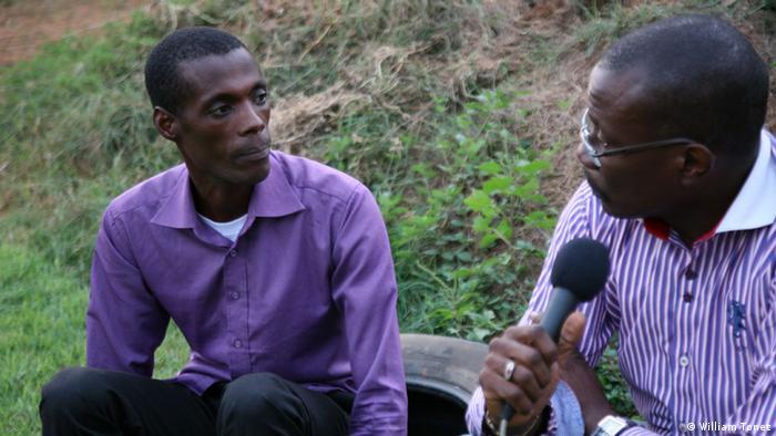 Fernando Kalupeteka, filho do líder da seita A Luz do Mundo (esquerda) falou com o jornalista William Tonet