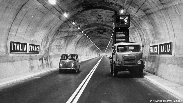 Circulando por el túnel.