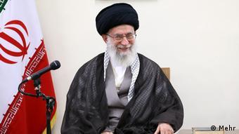علی خامنهای، رهبر جمهوری اسلامی در جلسه ملاقات با هیأت دولت نسبت به توافق جامع هستهای ابراز خشنودی و از هیأت مذاکرهکننده ایران قدردانی کرد