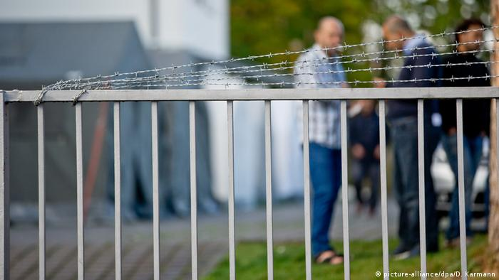 Report: Racist asylum-seeker hostel attackers seldom convicted