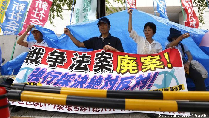 Japan Proteste Abstimmung Sicherheitsgesetz