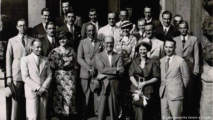 De los archivos de LAV: visita de delegación de arquitectos argentinos con motivo de los Juegos Olímpicos en Berlin, en 1936.