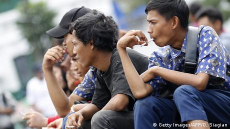 WHO Bericht Raucher Indonesien (Getty Images/AFP/O. Siagian)