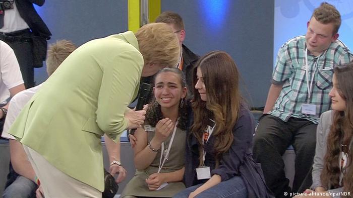 Bundeskanzlerin Merkel trifft Flüchtlingsmädchen