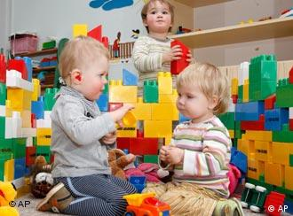 Parents will have a legal right to a day care spot for their kids in 2013