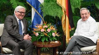 Frank-Walter Steinmeier y Raúl Castro en La Habana (2015).