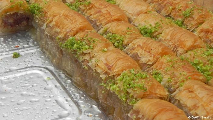 Die Baklava, ein Gebäck mit Honig und Wallnüssen (Foto: DW)