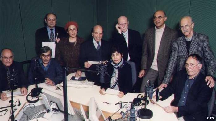 کارمندان بخش افغانستان در دویچه وله در دهه ۹۰ میلادی