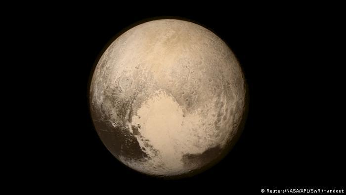 Pluto aufgenommen von der NASA Sonde New Horizons