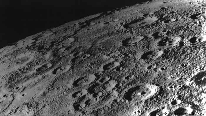 A Picture of Mercury taken 1975 by Mariner 10 space craft (Photo: Picture alliance, dpa, nasa)