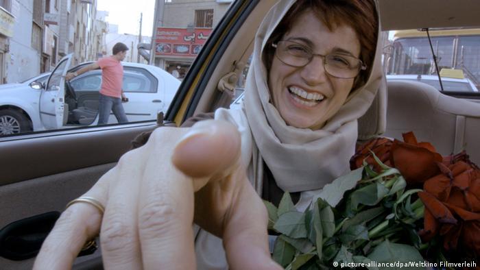 Jafar Panahi Taxi Teheran Filmszene (picture-alliance/dpa/Weltkino Filmverleih)