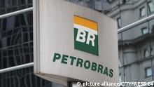 SAO PAULO, BRASILIEN, 27.01.2015, Firma Petrobras, Logo, Feature. Petrobras ist ein brasilianisches halbstaatliches Mineraloelunternehmen, dessen Aktienkapital sich teilweise in Privatbesitz befindet.